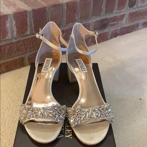 Badgley Mischka block heel